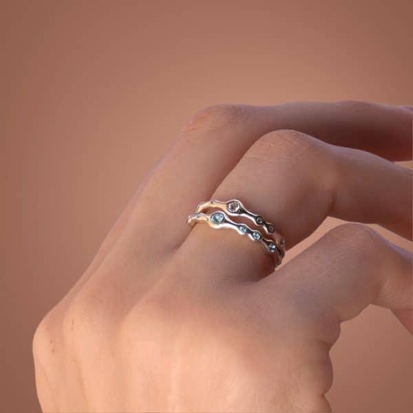 Необычное кольцо из серебра фото