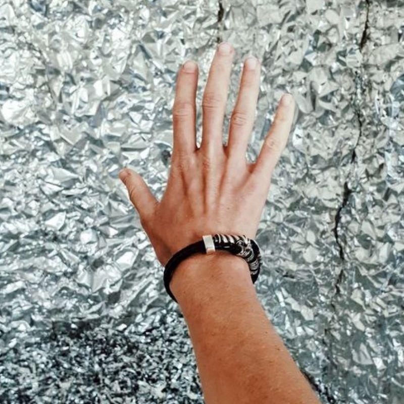 Браслет из кожи и серебра