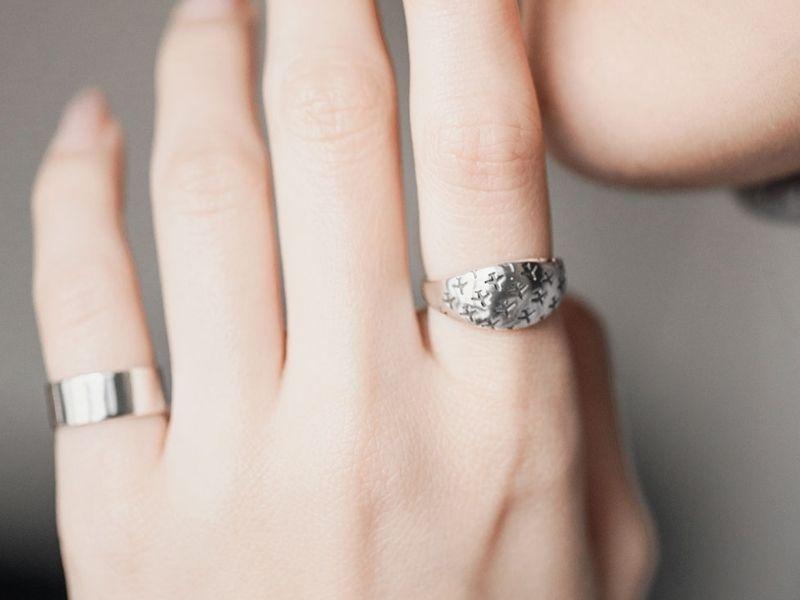 Дизайнерские серебряные кольца