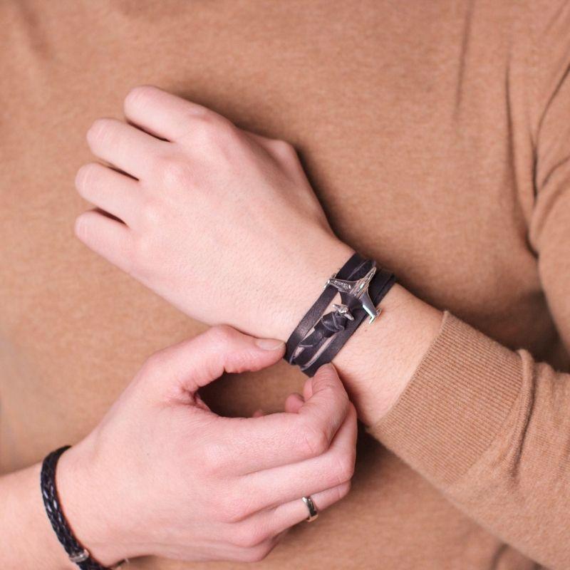 Кожаные браслеты с серебром