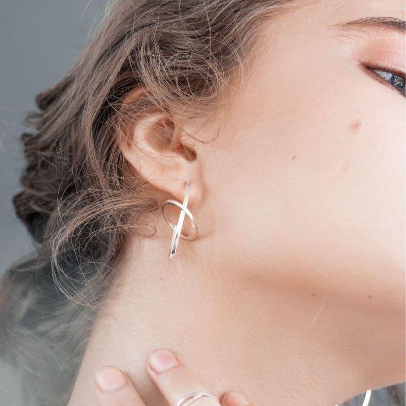 Оригинальные серебряные серьги от украинских дизайнеров фото