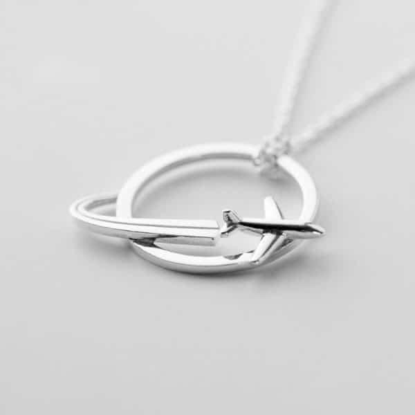 Колье из серебра женское фото