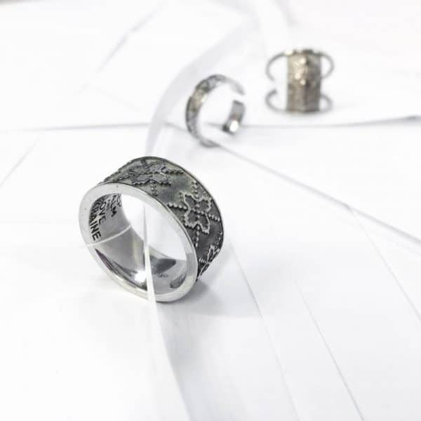 Серебряное кольцо «Вышиванка» фото