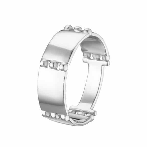 необычное дизайнерское кольцо из серебра фото