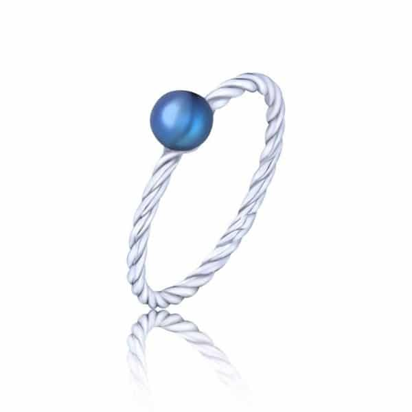 стильное кольцо из серебра фото